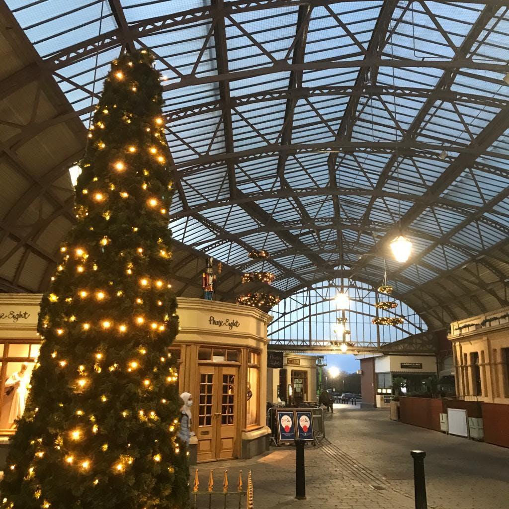 Royal Windsor Shopping_Nov 2020.jpg