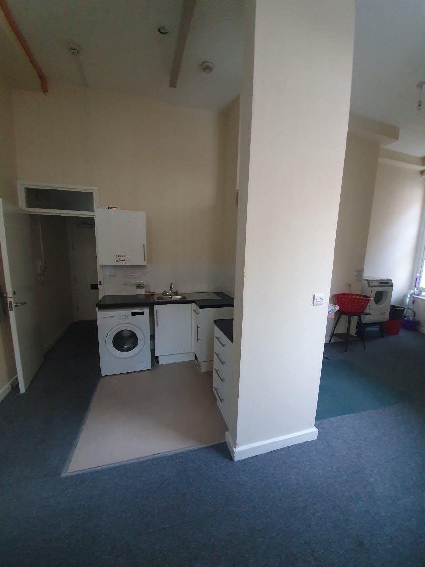 Flat 5 North Wing_Existing Washing Facilities_Sep21