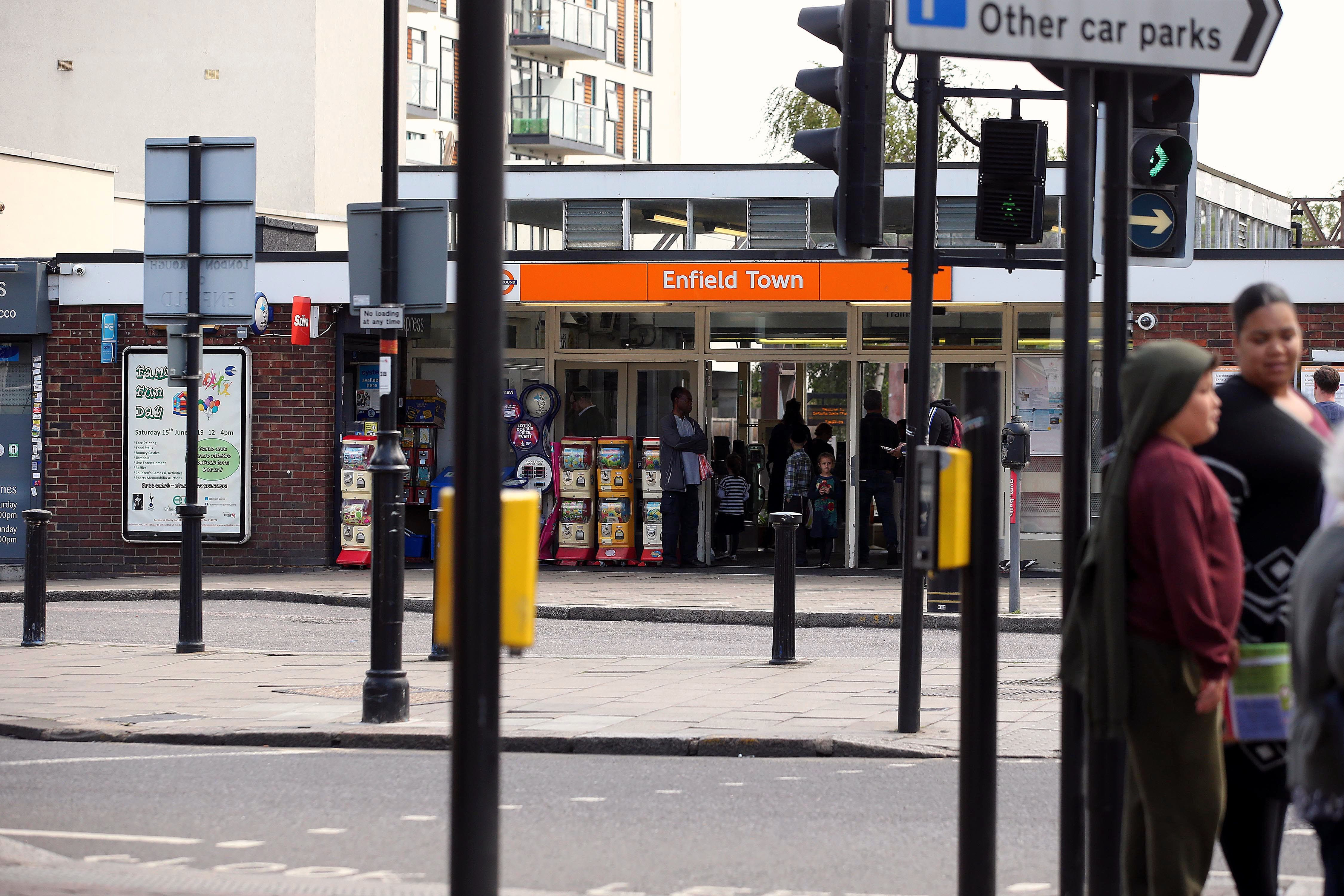 A view into Enfield Town Station