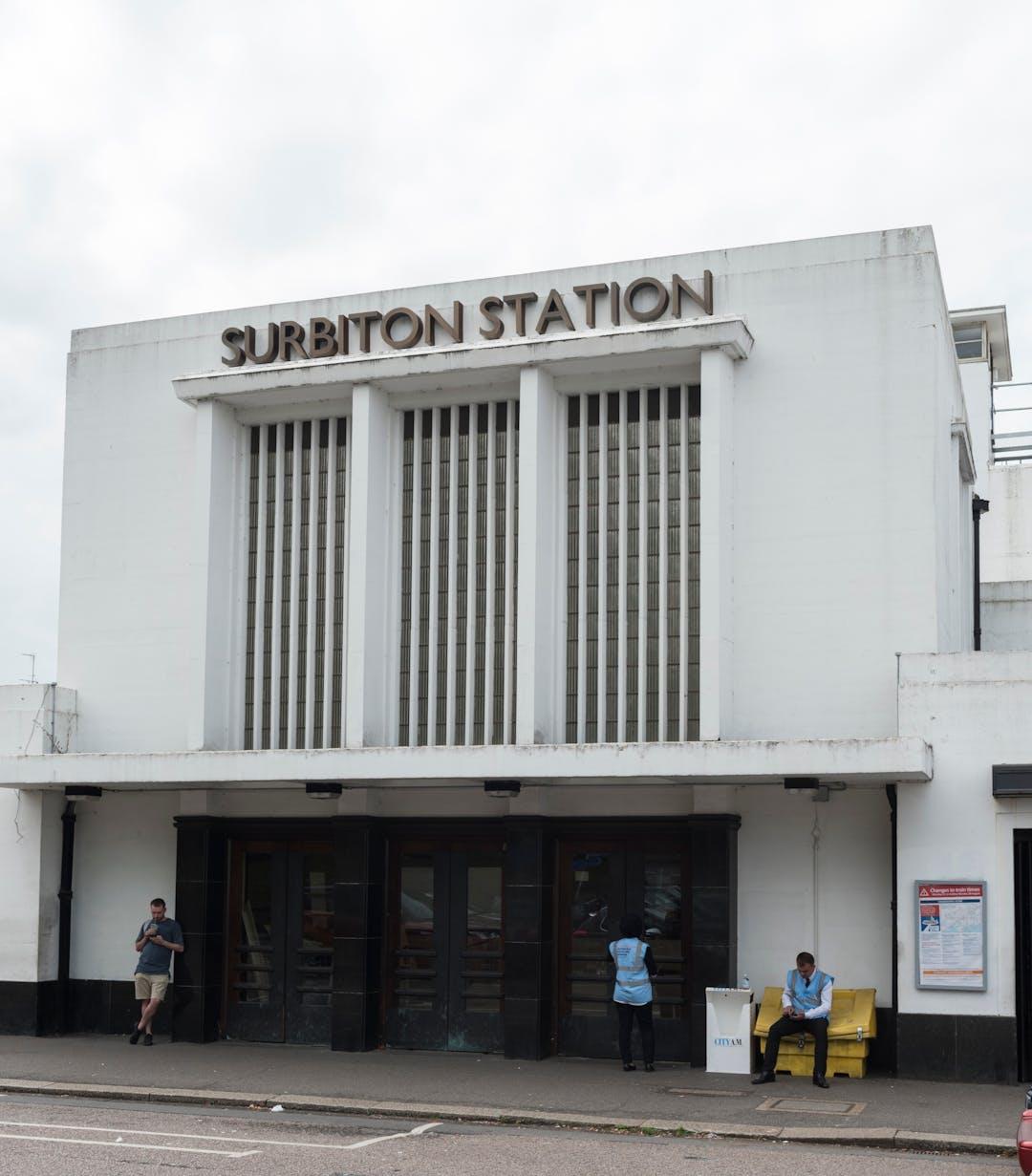 picture of surbiton station